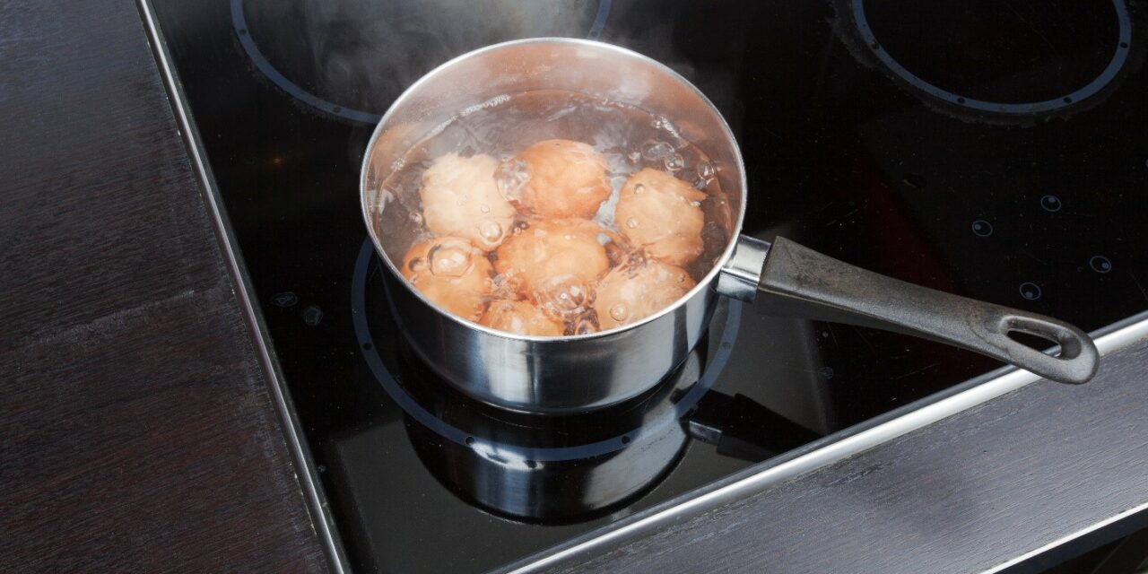Does Adding Salt to Water Help it Boil Faster?